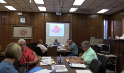 Commission approves resolution to fund chamber